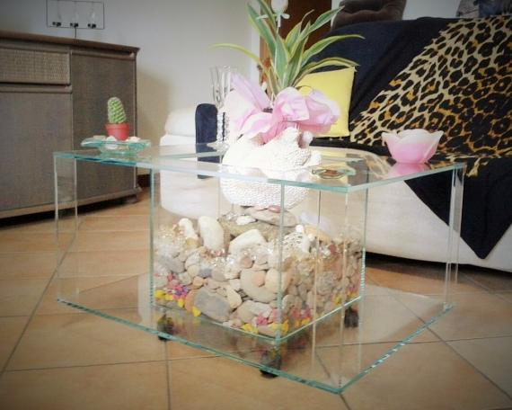 Tavolino con pietre