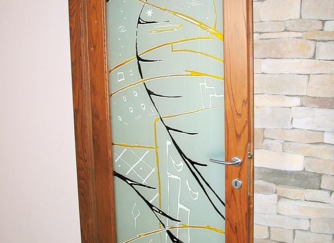 Inserto in vetro su porta in legno